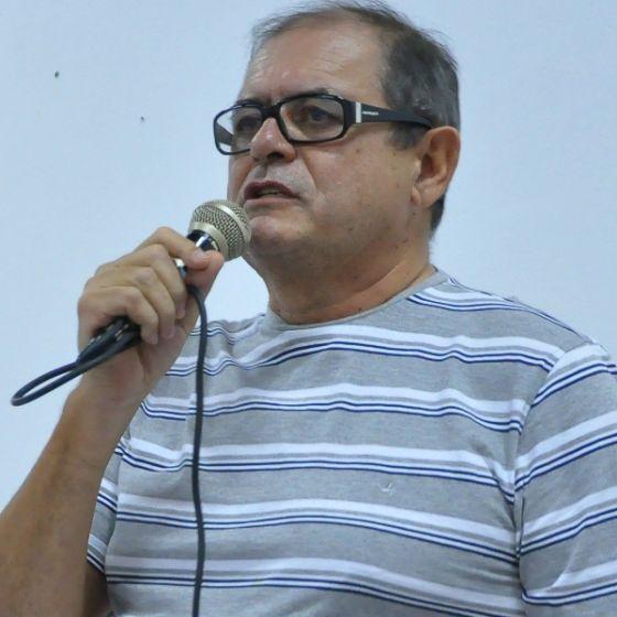 Humberto Coutinho, que pretende disputar eleição de deputado no ano que vem, inicia luta contra a doença