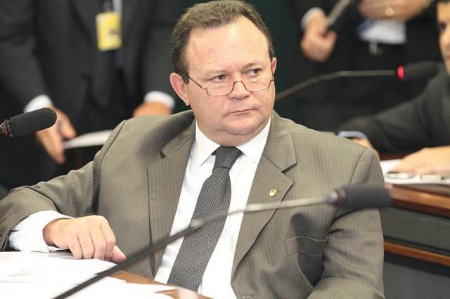 Com reeleição difícil, Carlos Brandão tenta ser o candidato a vice de Flávio Dino com aliança entre PSDB e PCdoB