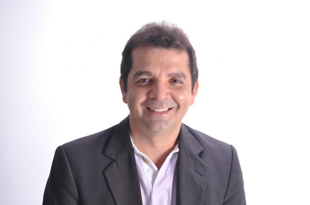 Ex-prefeito de Santa Rira, Hilton Gonçalo, já aparece em empate técnico com Eliziane