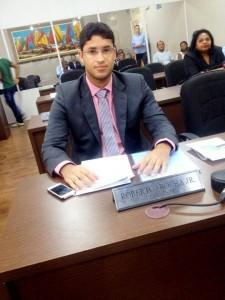 Vereador quer desapropriar terreno para construir escola na Vicente Fialho