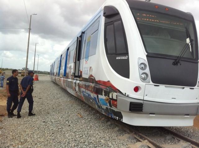 Dois vagões do VLT chegaram a São Luís em outubro do ano passado