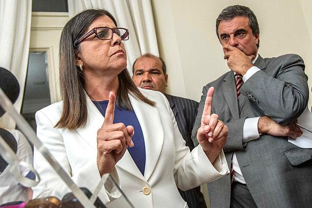 """Roseana apresentou hospitais como """"revolução"""" na Saúde"""