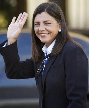 Governadora não sabe se renuncia ou se permanece no cargo