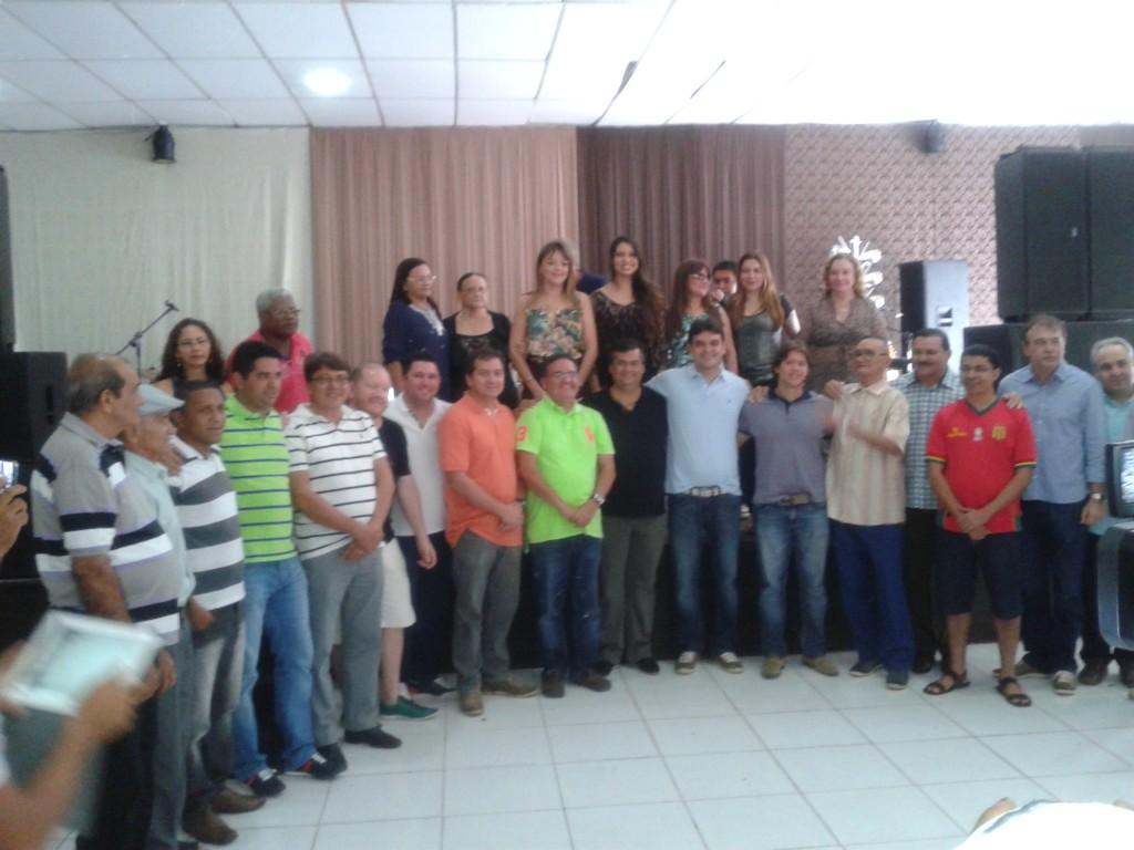 Deputado Rubens Jr reuniu um grande leque de lideranças de oposição, durante aniversário de 30 anos