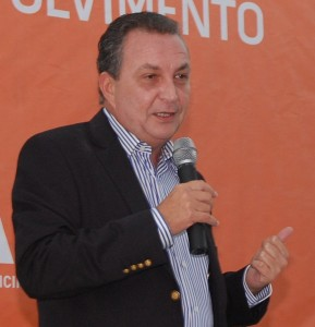 """Em Alto Alegre, prefeito """"intima"""" servidores para evento com Luís Fernando"""