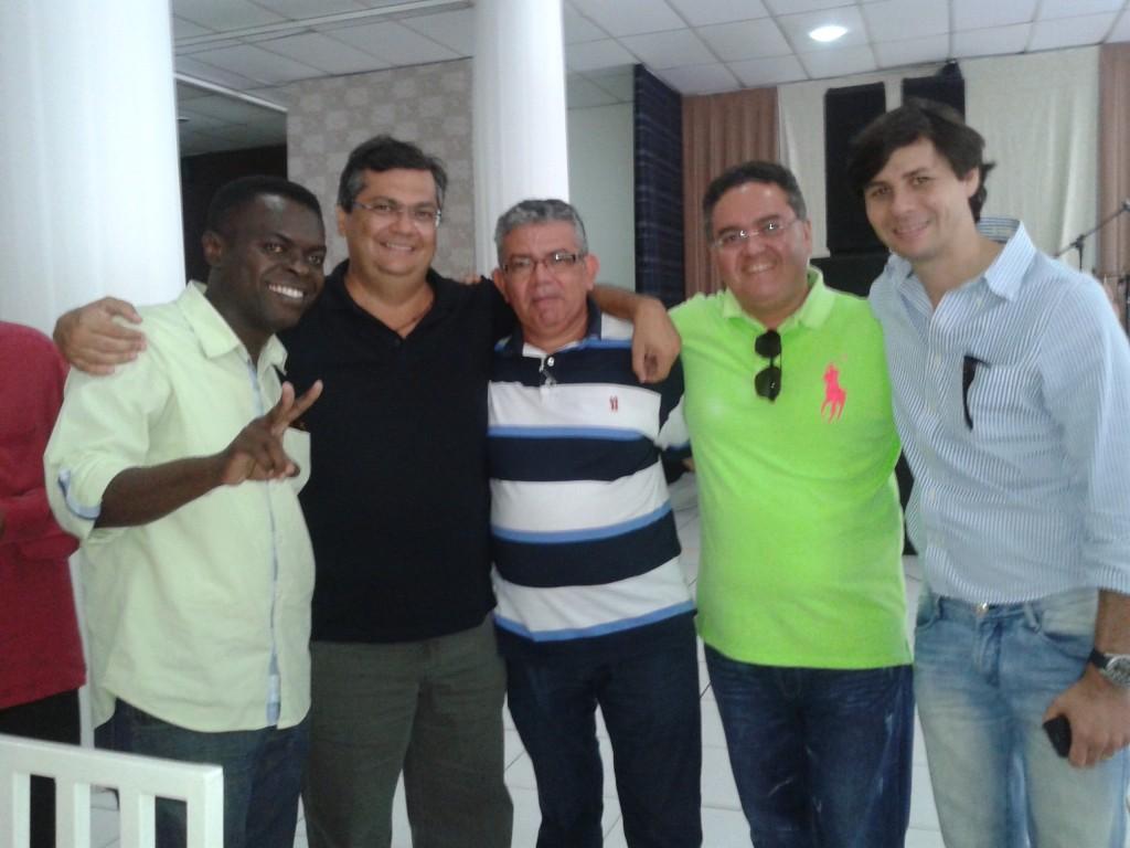 Flávio Dino com lideranças ao PPS e do PSB, no aniversário de Rubens Jr