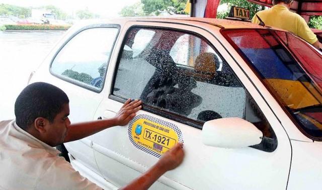 A renovação das permissões de táxis para este ano começa nesta segunda