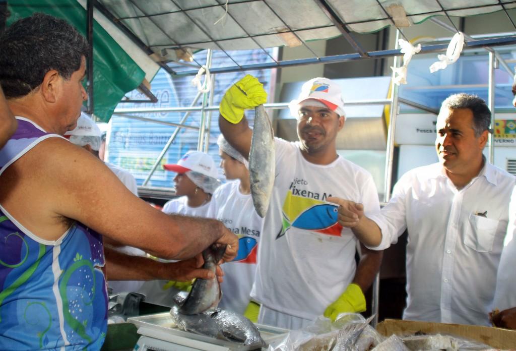 """""""Peixe na Mesa"""" regula preço do pescado em São Luís"""