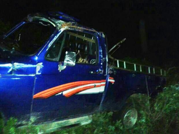 A colisão deixou oito pessoas mortas, sendo seis do sexo masculino e duas do sexo feminino, com idades entre 15 e 17 anos