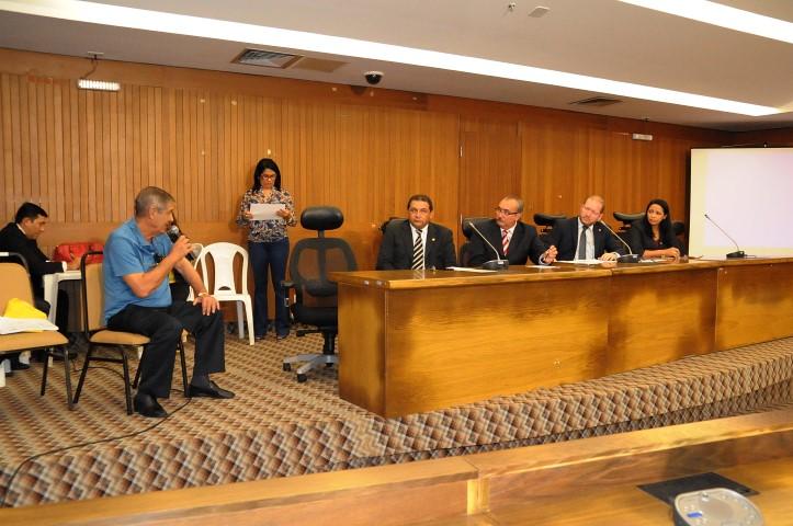 O empresário Hélio Viana foi o primeiro a depor como testemunha e negou a formação de cartel