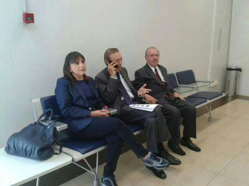 Roseana, a imagem da tensão; Lobão de inúmeros telefonemas para apoio a Edinho e José Sarney, a face da preocupação...