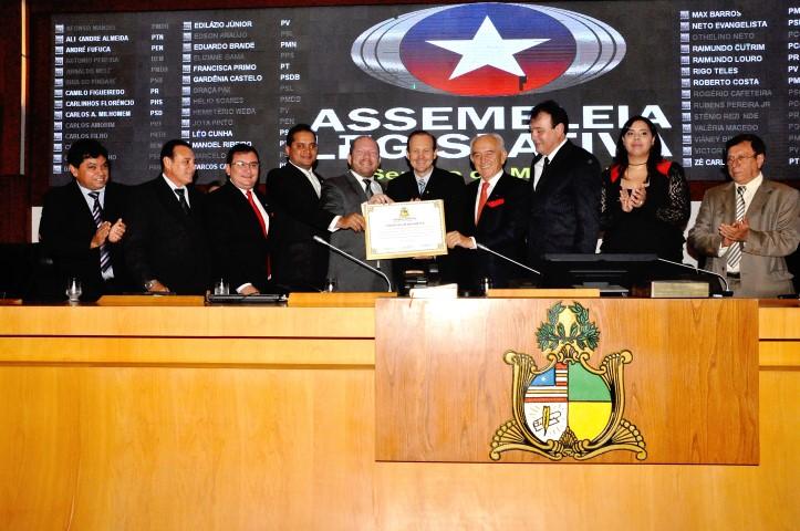 Márcio Honaiser recebeu o Título de Cidadão Maranhense por homenagem do deputado estadual Othelino Neto (PCdoB)
