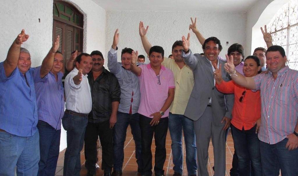 Partido oficializou aliança em convenção