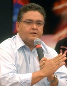 Roberto Rocha é o nome que Flávio Dino defende