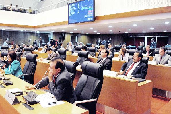 Deputados assinaram requerimento apresentado por Rafael Leitoa e Fernando Furtado