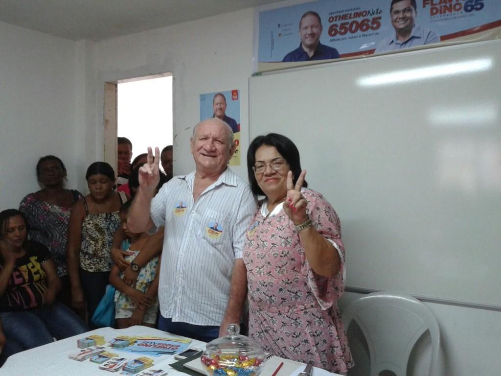 Dona Yolete, coordenadora em São Luís, e o jornalista Othelino Filho reuniram-se com as lideranças comunitárias