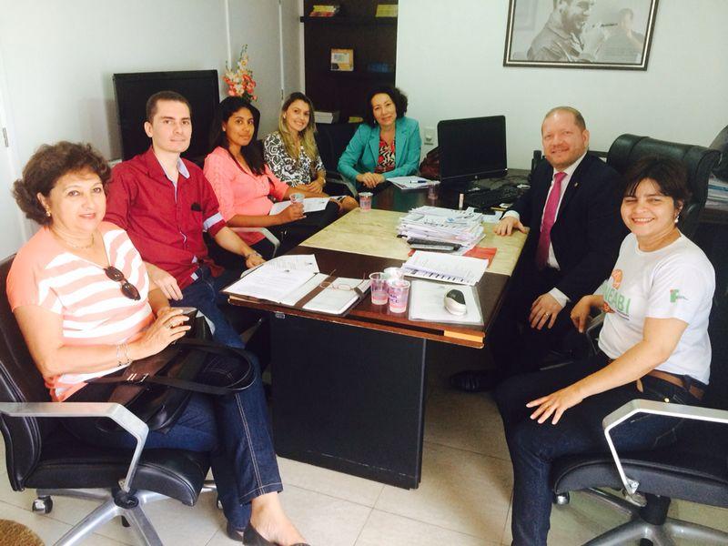 Assistentes sociais agradeceram a iniciativa do projeto a Othelino e disseram que estão lutando pela sanção da Lei