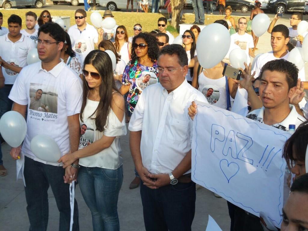 Roberto Rocha Jr E Roberto Rocha participaram da caminhada, repudiaram atos de violência e pediram paz e justiça