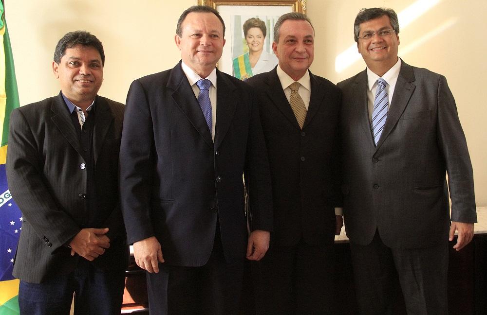 Flávio Dino e Luís Fernando com o vice-governador, Carlos Brandão, e o secretário de Articulação Política, Márcio Jerry