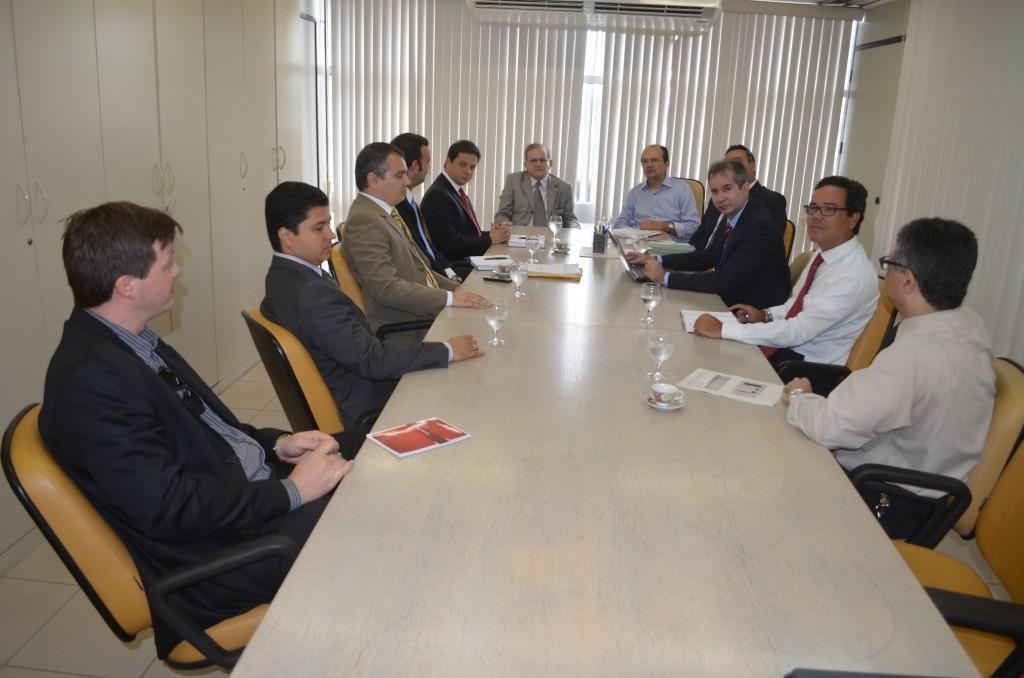Reunião discutiu a questão e estabeleceu critérios de cobranças aos gestores municipais
