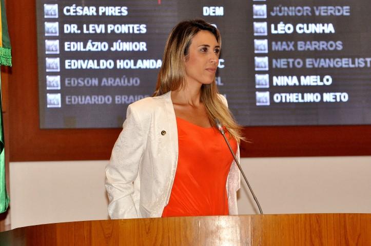 """Andrea Murad: """"Eu creio que o senador João Alberto deve concordar comigo de que bandido não pode ficar no nosso partido"""""""