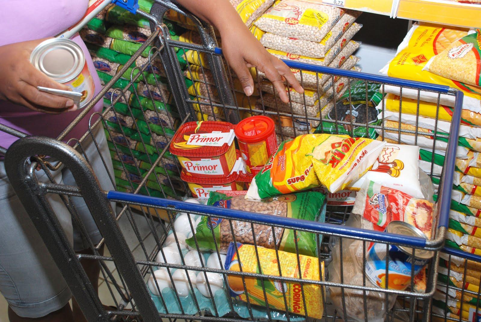 Itens da cesta básica tiveram um aumento em relação ao mês passadio