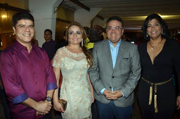 Roberto Rocha recepcionou a classe política maranhense em concorrido jantar no Praia Mar Hotel