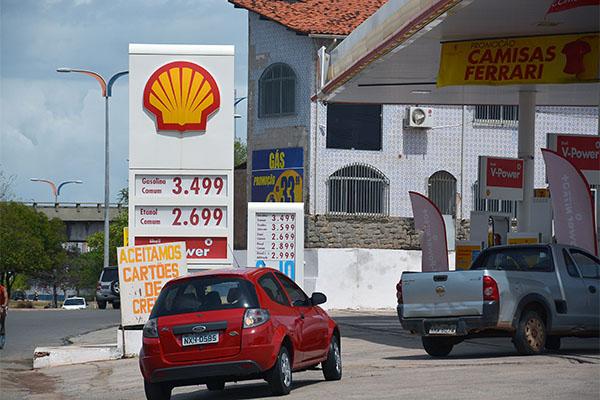 Postos elevaram  preços dos combustíveis desde o último domingo