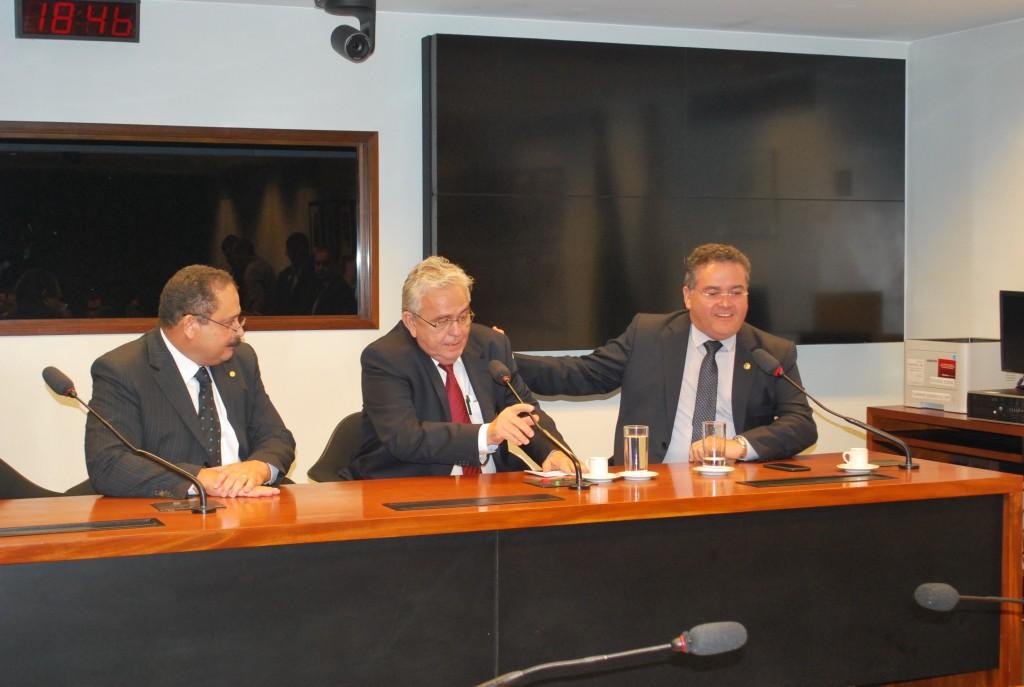 O senador Roberto Rocha elogiou a indicação de Pedro Fernandes  para o posto