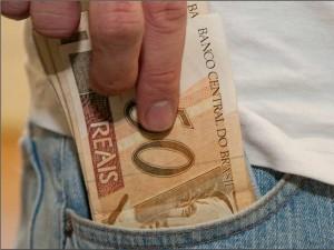 Servidores do Estado e do Município recebem seus vencimentos nesta terça