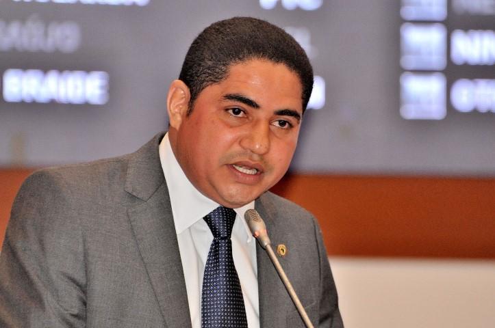 Deputado Zé Inácio lembrou o Dia da Abolição na tribuna