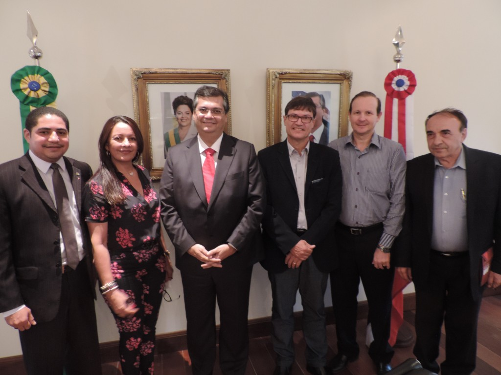 Vete Botelho e Zé Inácio entregaram  projeto a Flávio Dino