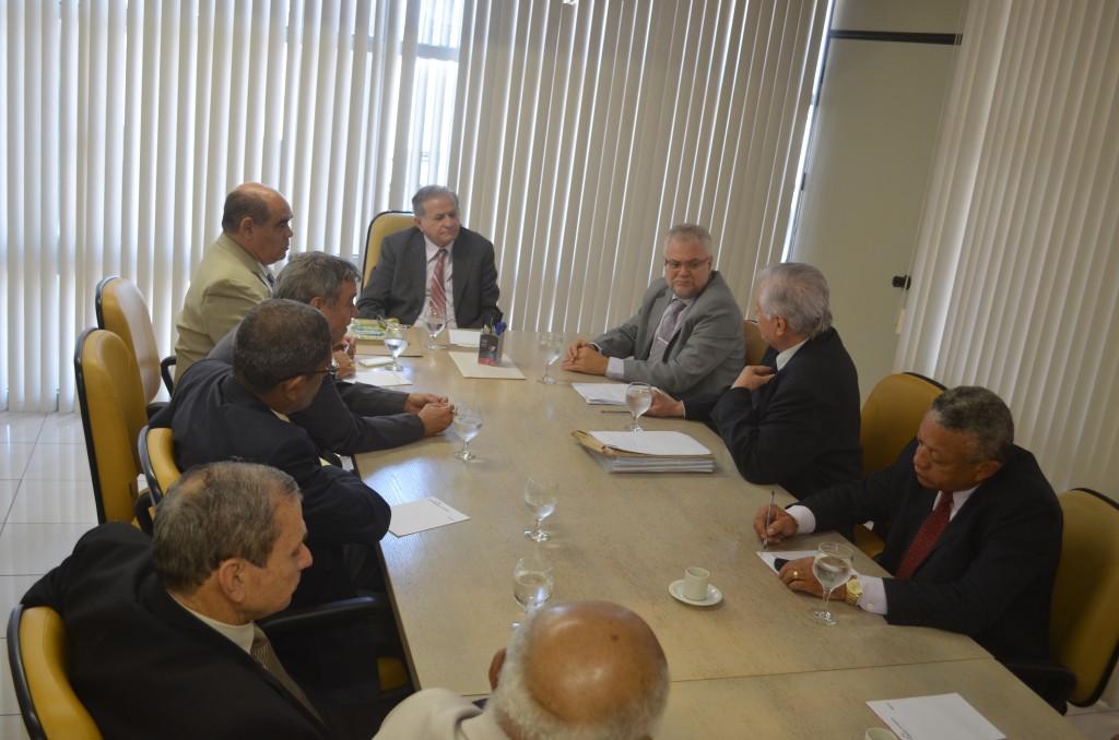 reunião entre vereadores  e TCE
