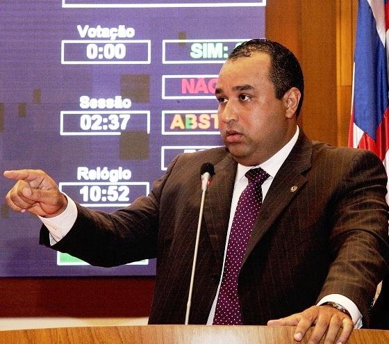 Na nota, Roberto Rocha diz que o partido formará bloco apenas com o PROS e nega rompimento com o PV