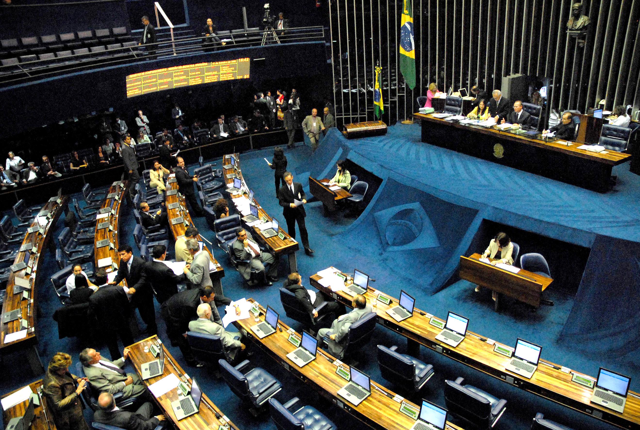 Senado aprovou reforma política que segue agora para o Senado