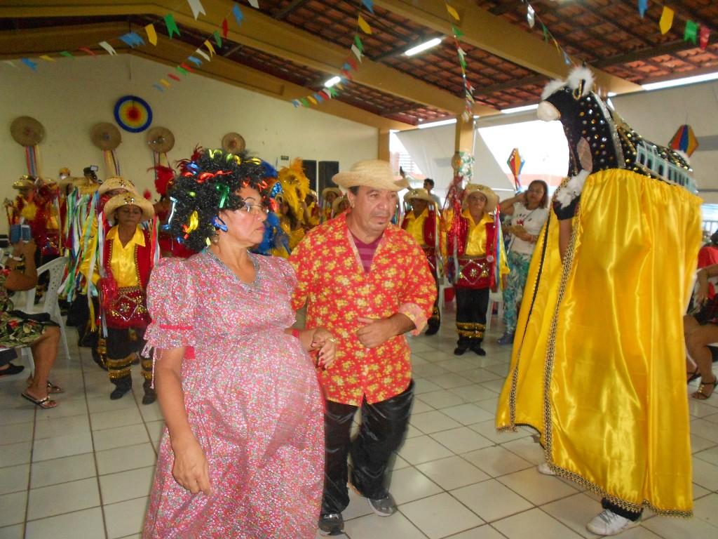 Prefeitura realiza festa junina para idosos, aposentados e pensionistas pelo projeto Viver Mais