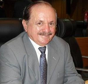 Chico Gomes, prefeito de Viana