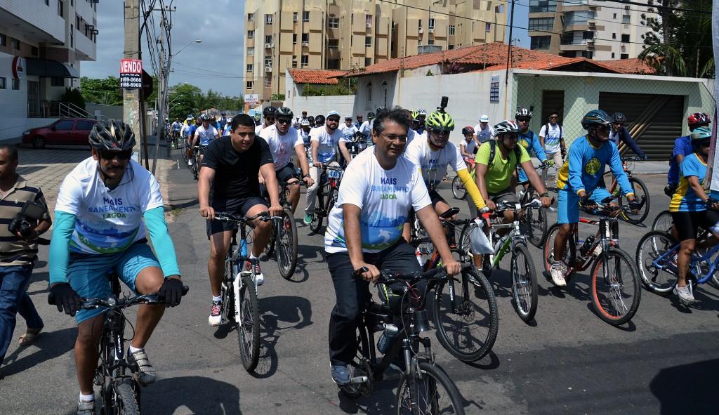 Governador Flávio Dino aproveitou para pedalar...