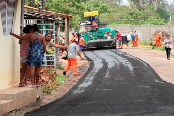 Prefeitura entra com novas frentes de pavimentação no Vinhais Velho, Vilas Progresso e Marinha