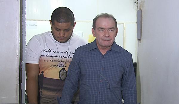 João Abreu  está proibido de exercer cargo público e de se comunicar com Roseana Sarney