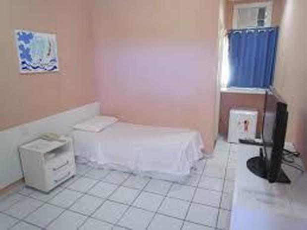 Alojamento confortável em que Lidiane se mantém presa no Corpo de Bombeiros