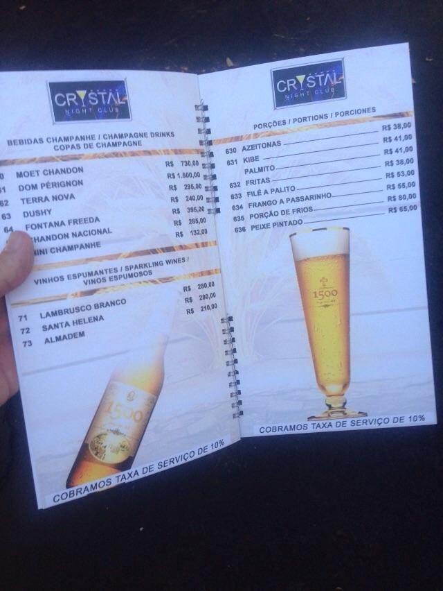 Menu mostra preços bem salgados para bebidas e comidas