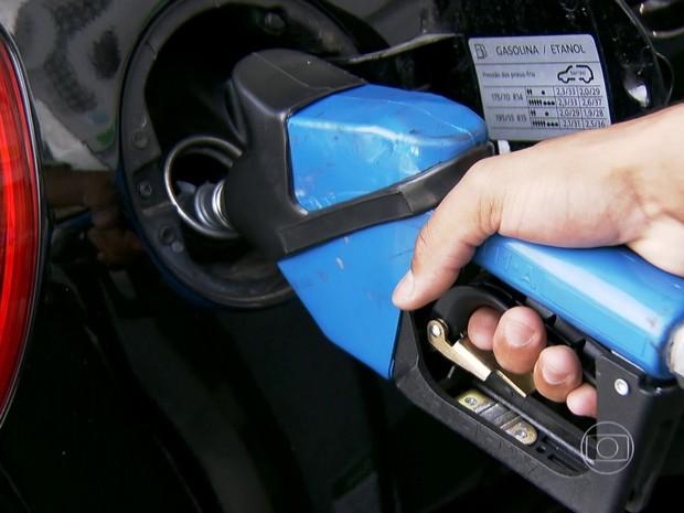 Aumento da gasolina nas refinarias será de 6% (Foto: Reprodução/ TV Globo)