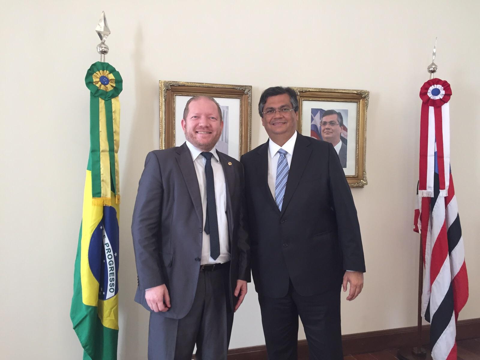 Governador confirmou inauguração e o nome de Leonardo Sá como diretor do hospital, durante audiência com o deputado Othelino Neto