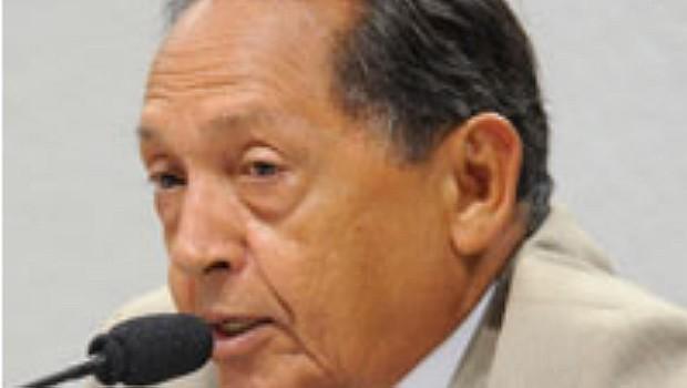 Fernando César Mesquita