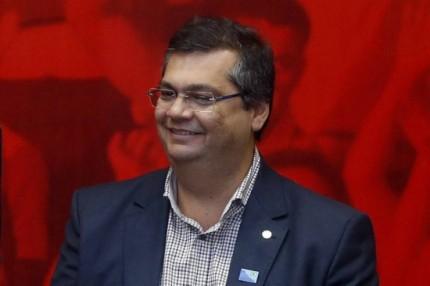 Flávio Dino muda de planos e vai aguardar o retorno do vice, Carlos Brandão