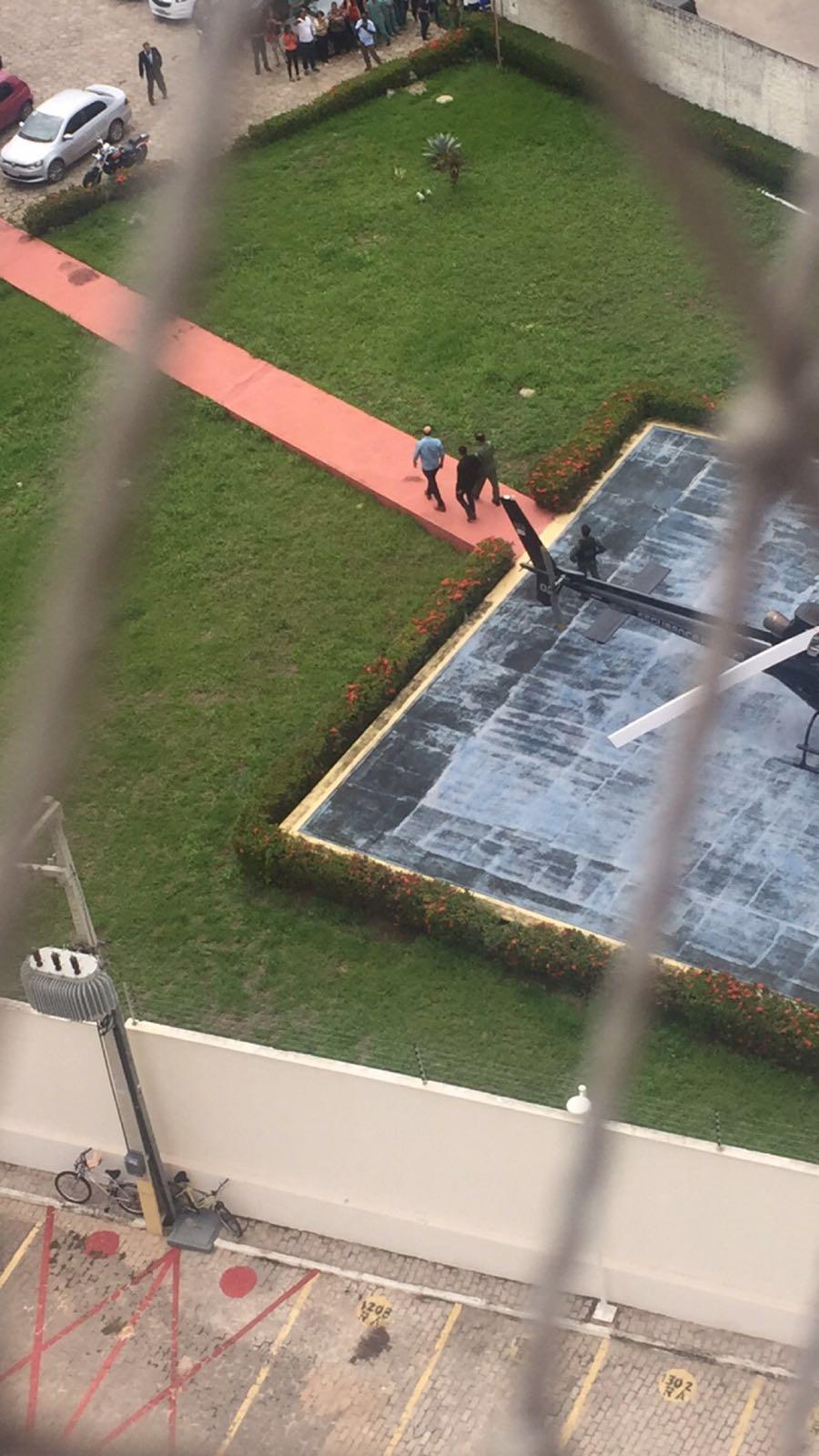 Prefeito foi levado pela Polícia para depor em São Luís
