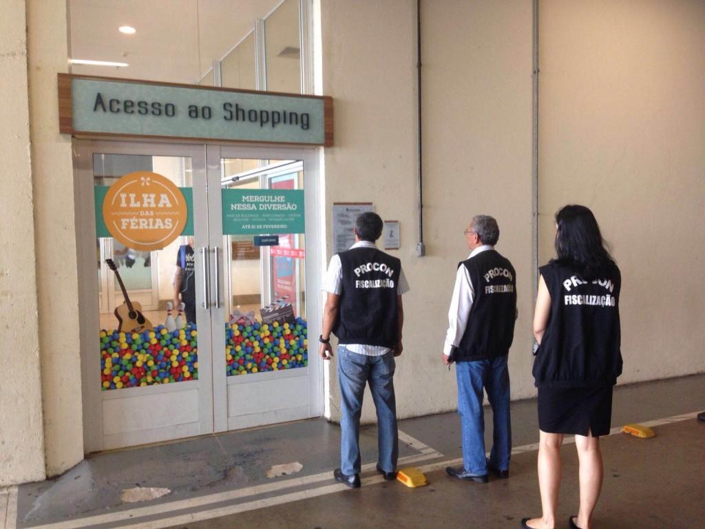 Shopping da Ilha tem 48 horas para revogar aumento abusivo