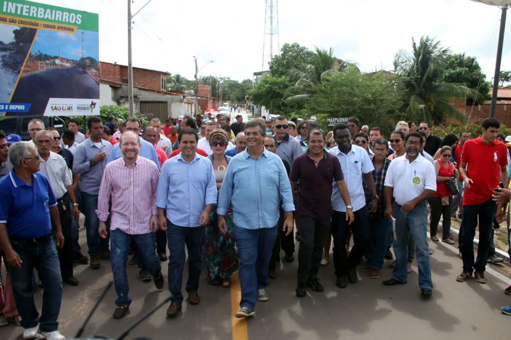 Governador e o prefeito Edivaldo Holanda Júnior entregaram as obras neste sábado