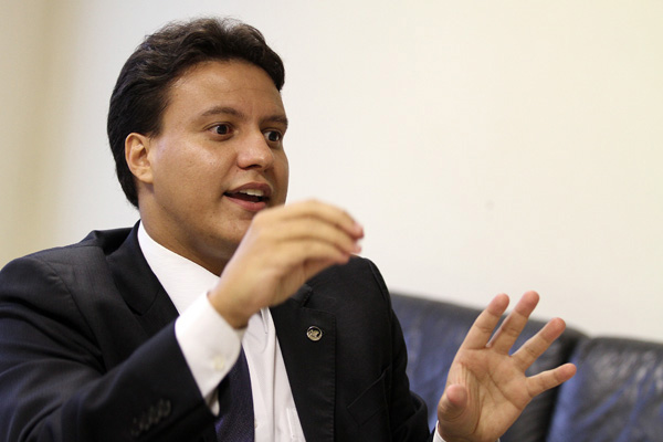 Felipe Camarão já passou, somente no governo Flávio Dino, pelas secretarias da Previdência, Cultura, Governo e agora Educação